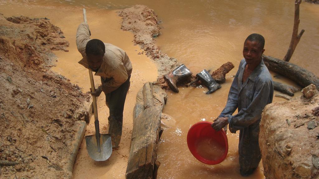 Por qué comprar un Fairphone no va a cambiar el Congo