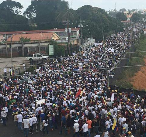 """Venezuela: comunicado de las madres de la """"Fundación por la dignidad sagrada de la persona"""""""
