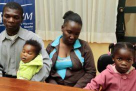 ¿Proponer la adopción a las madres empobrecidas a quién favorece?