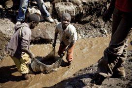 Demandan a Microsoft, Tesla, Apple y Alphabet por la muerte de niños que extraen cobalto en minas de África